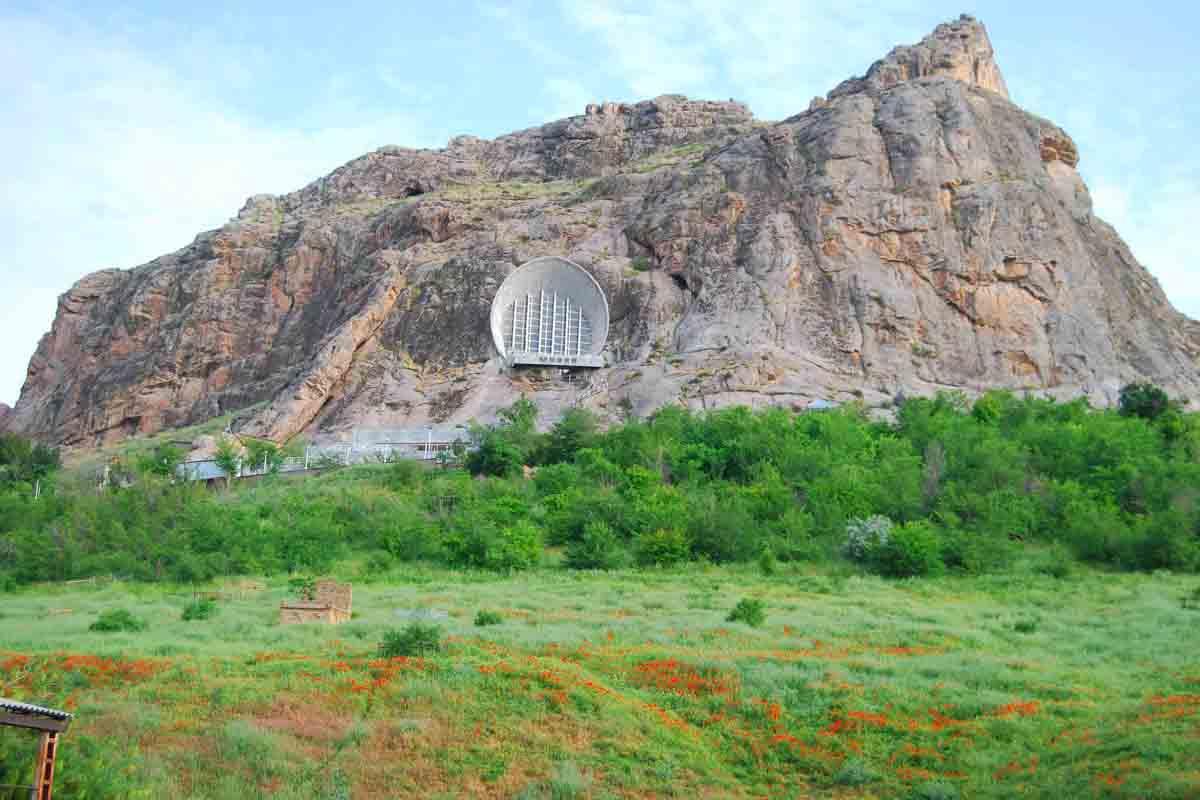 The Sacred Mountain Sulaiman Too | Trip to Kyrgyzstan