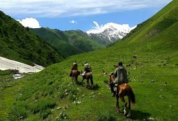 Horse Riding to Tosor Pass